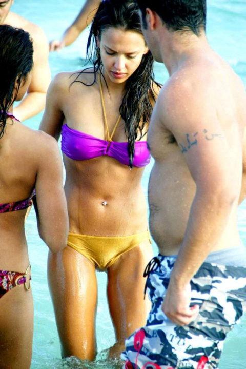 【ポッチ注意】ビーチで「完全に挑発してるなw」って女がこちらwwwwwwwwwwwww(24枚)・21枚目