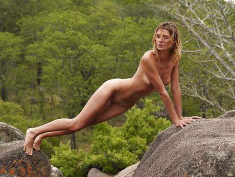 【全裸注意】完全に自然を舐めてる女ロッククライマーの画像集(30枚)・24枚目