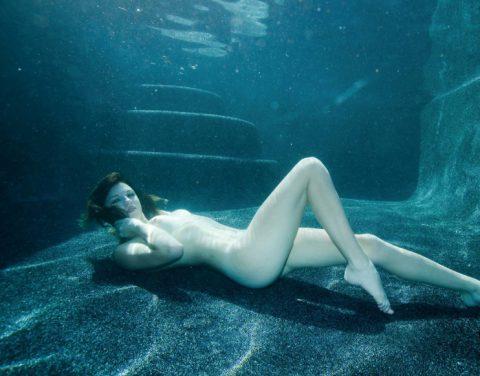 【水中ヌード】水の中で裸を撮ったらアートになるという不思議wwwwwwwwwwwwwww(画像31枚)・24枚目