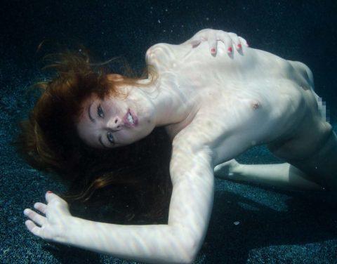 【水中ヌード】水の中で裸を撮ったらアートになるという不思議wwwwwwwwwwwwwww(画像31枚)・25枚目