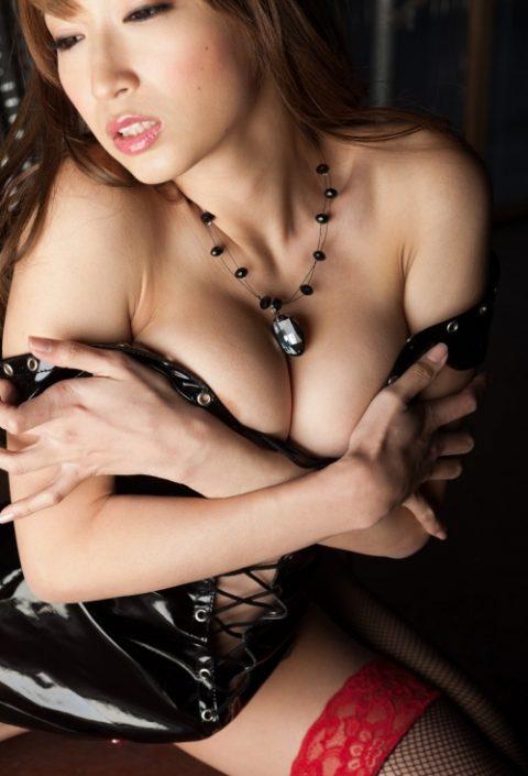 【画像あり】M男はこの格好の女性を見るだけで我慢汁が止まらないらしい・・・・7枚目