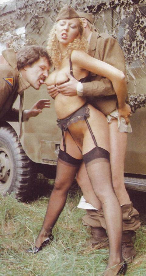 【画像24枚】女性兵士のもう一つの仕事がこちらwwwwwwwwwwwwww・7枚目