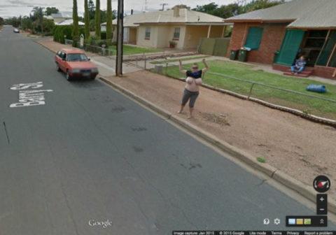 (※写真あり)Googleマップのストリートビューに偶然映ったお乳を集めた結果。 ←これって秘密撮影にならないの?wwwwwwwwwwwwww(写真多量)