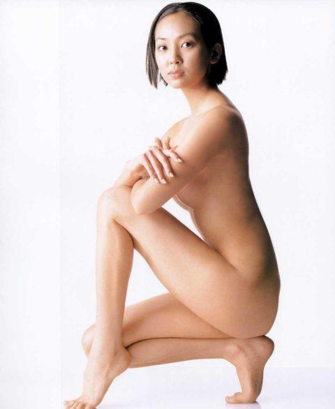 【崖っぷち】フルヌード一歩手前の女性芸能人のギリギリヌード画像集(26枚)・19枚目