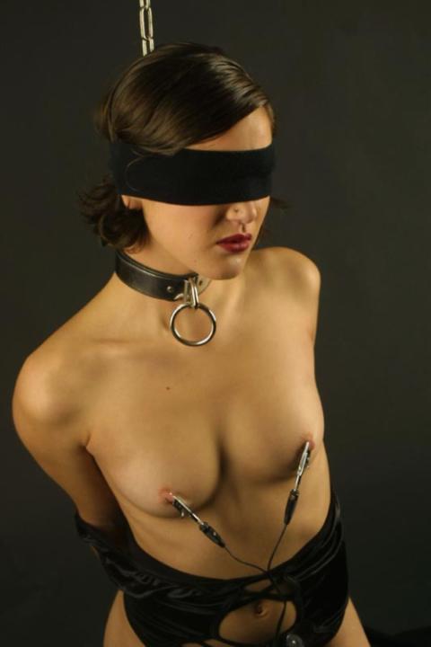 【画像29枚】乳首鍛錬中の嫁の画像貼ってくwwwwwwwwwwwwwww・20枚目