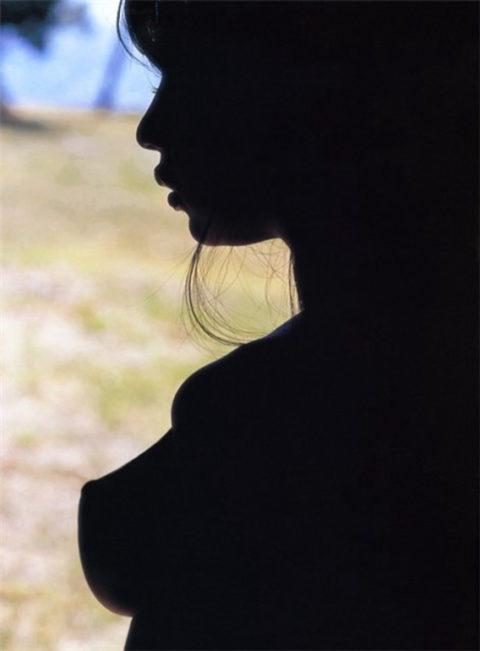 【逆光】必死でマンコを見ようとしてはいけない芸術エロ画像集(30枚)・22枚目