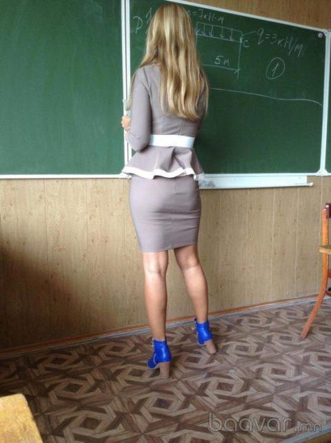 セクシーすぎて保護者からクレームが来そうな女性教師の画像集(19枚)・4枚目