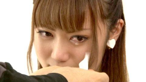 【出演強要⁈】AVでガチ泣きしてる女の子の闇深画像・・・(25枚)・6枚目