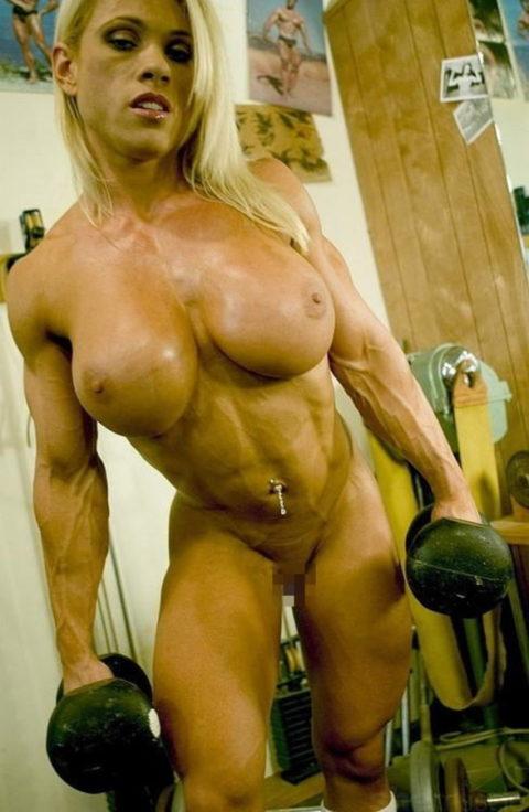 ジムでトレーニングする女たちを全裸にしてみた結果wwwwwwwwwwwww(画像20枚)・10枚目