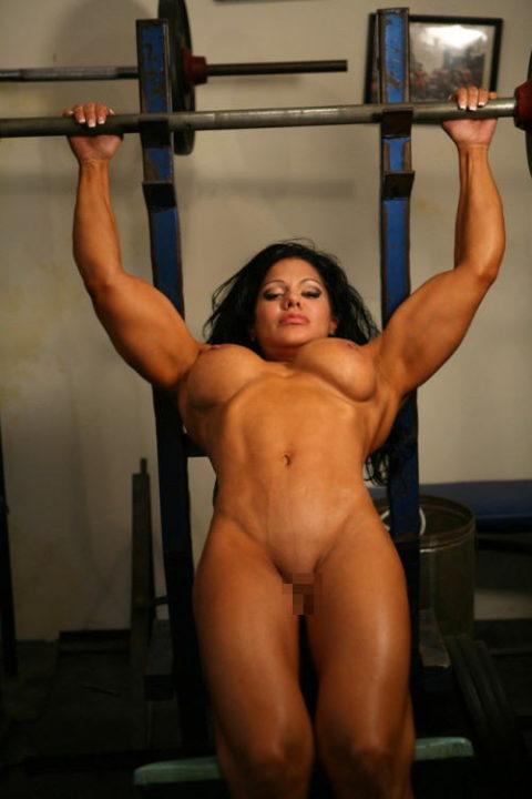 ジムでトレーニングする女たちを全裸にしてみた結果wwwwwwwwwwwww(画像20枚)・11枚目