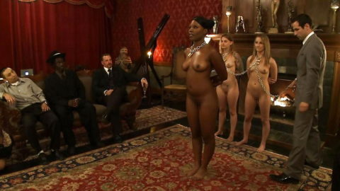 【男尊女卑】「男は着衣、女だけ裸」とかいう屈辱プレイ・・・(21枚)・18枚目