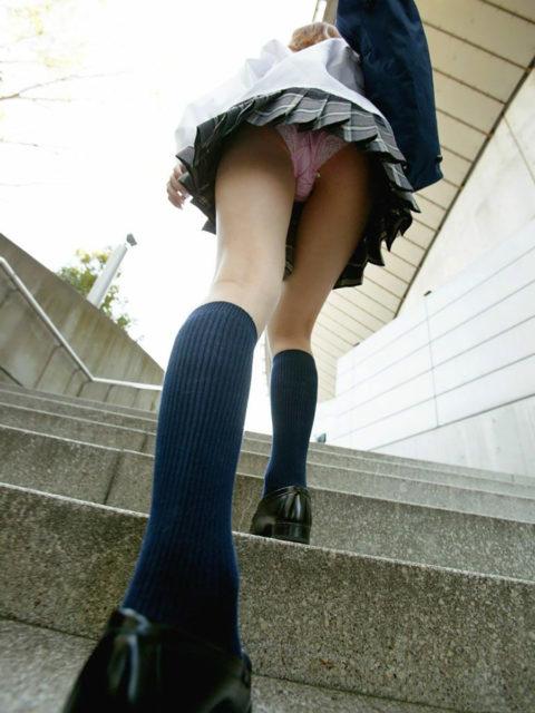 【ミニスカ】階段上ってる途中でパンツ見せつけてくる女wwwwwwwwwwwwww(画像20枚)・14枚目