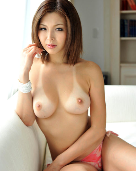【画像30枚】日焼け跡のついた女の裸ってなんか得した気分になるよなwwwwwwwww・18枚目