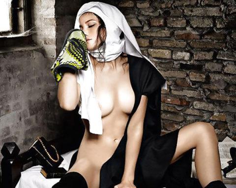 絶対に処女じゃなさそうな修道女のエロ画像集(29枚)・19枚目