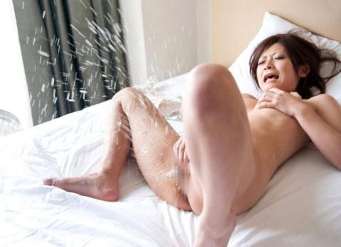 【画像】オナニーで潮吹く女ってどうですか???(30枚)・27枚目