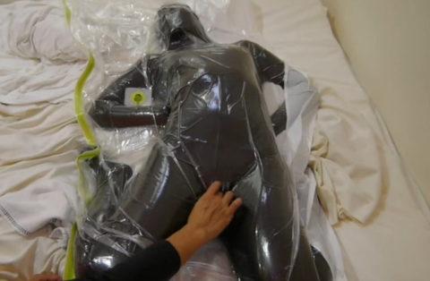 【誰得】女を布団圧縮袋に入れて密封した結果→死ぬやろこれwwwwwwwwwwwwww(画像30枚)・3枚目