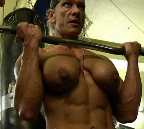 ジムでトレーニングする女たちを全裸にしてみた結果wwwwwwwwwwwww(画像20枚)・8枚目