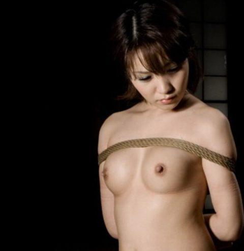 【放心状態】緊縛プレイの後のアンニュイ女子をご覧くださいwwwwwwwwww(画像あり)・15枚目
