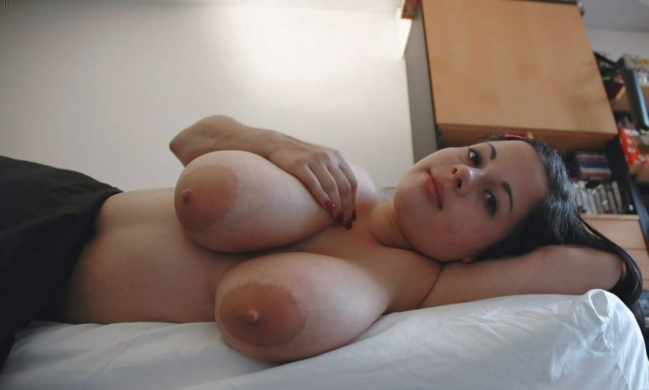 Latina babe works dick well