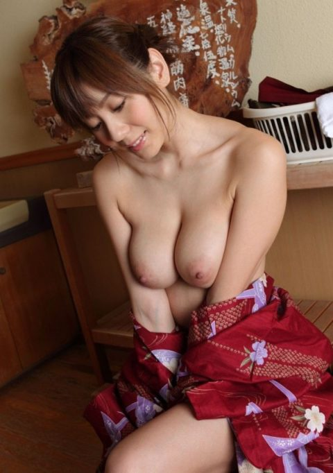最も日本的だけどリアルではめったに見れない和服のエロ画像集(30枚)・2枚目