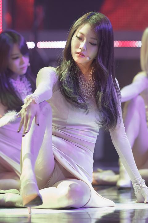 【エッロ!】K-POPアイドルのハイ・シコリティwwwwwwwwwwwwwww(画像25枚)・22枚目