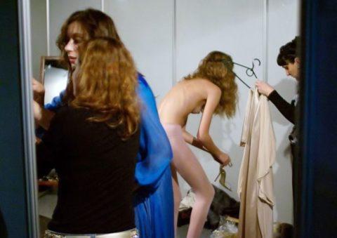 【全裸だらけ】ファッションショーの舞台裏とか撮っていいの?って画像集(30枚)・28枚目