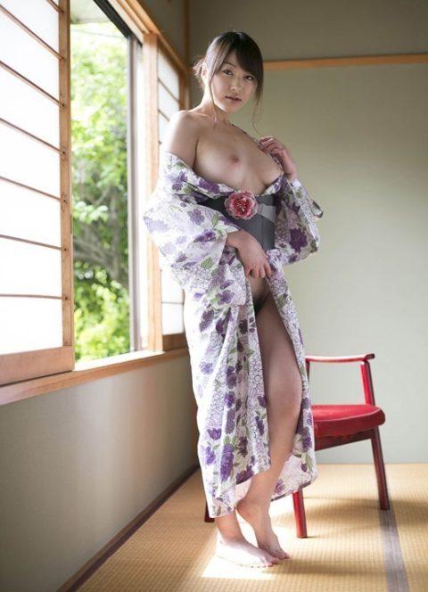 最も日本的だけどリアルではめったに見れない和服のエロ画像集(30枚)・29枚目