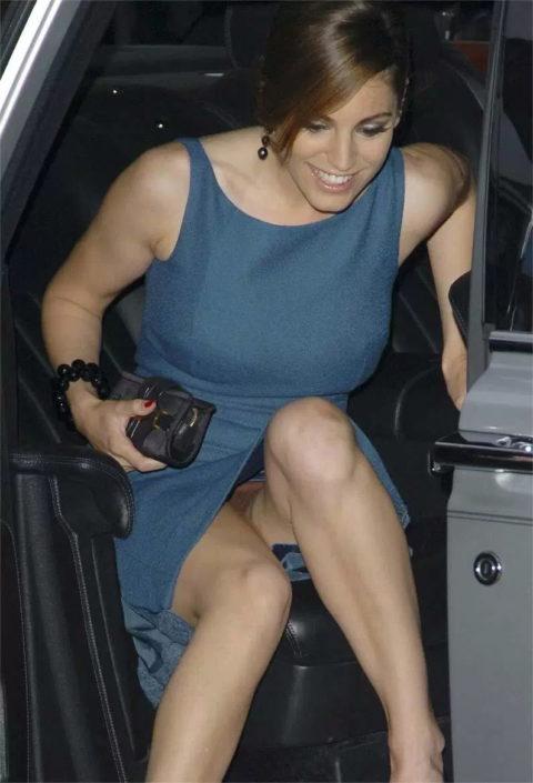 セレブたちが車から降りるときにパパラッチに気を付けなければいけない理由・・・(画像25枚)・3枚目
