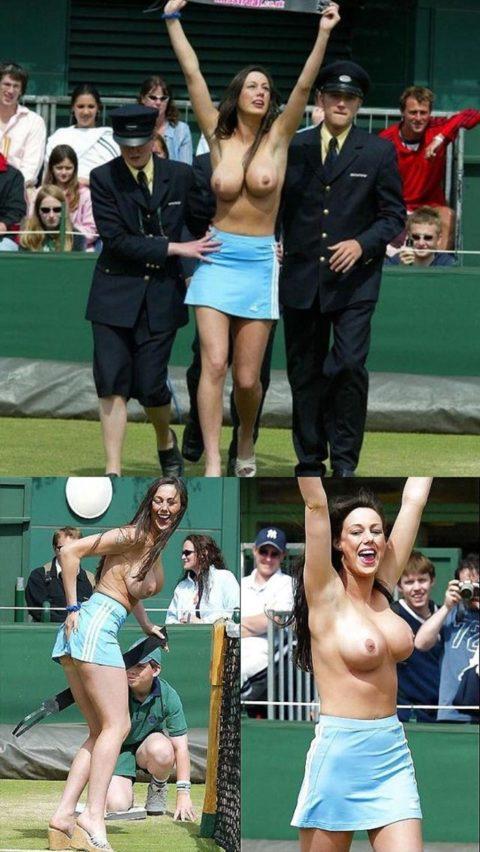 【レッドカード】試合中に全裸で乱入してくる露出狂女wwwwwwwwwwwwwww(画像30枚)・30枚目