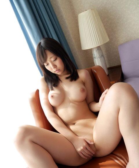 全裸に手パンツしてる女の挿入したい感は異常wwwwwwwwwwwwww(画像30枚)・4枚目