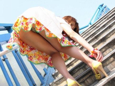 (ミニスカ)階段上ってる途中でパンツ見せつけてくる女wwwwwwwwwwwwwwwwwwwwwwwwwwww(写真20枚)
