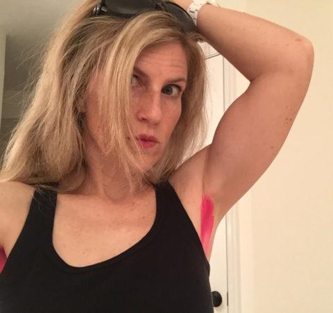 【グロ認定】腋毛カラーリングがアメリカで流行中だと・・・!?(画像28枚)・1枚目