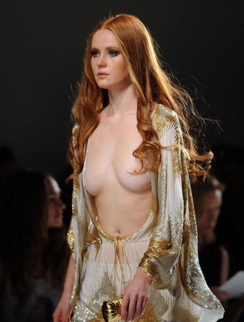 【乳首大量】ファッションショーでも十分抜けることがよく分かる画像集(30枚)・12枚目