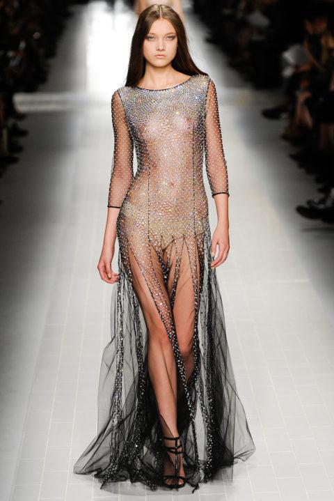 【乳首大量】ファッションショーでも十分抜けることがよく分かる画像集(30枚)・22枚目