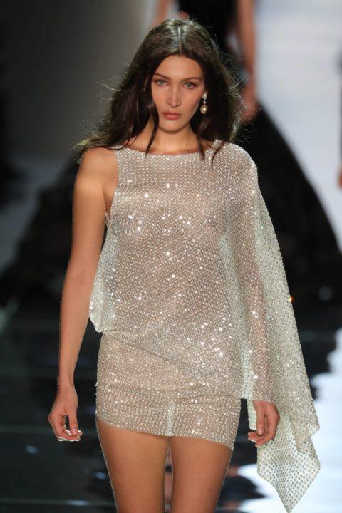 【乳首大量】ファッションショーでも十分抜けることがよく分かる画像集(30枚)・3枚目
