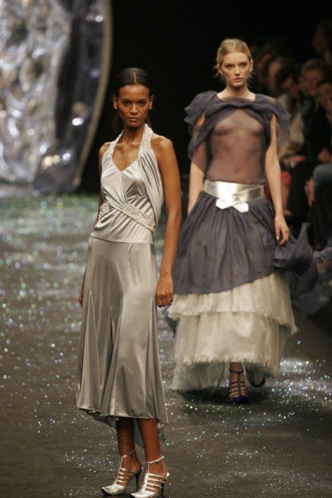 【乳首大量】ファッションショーでも十分抜けることがよく分かる画像集(30枚)・6枚目