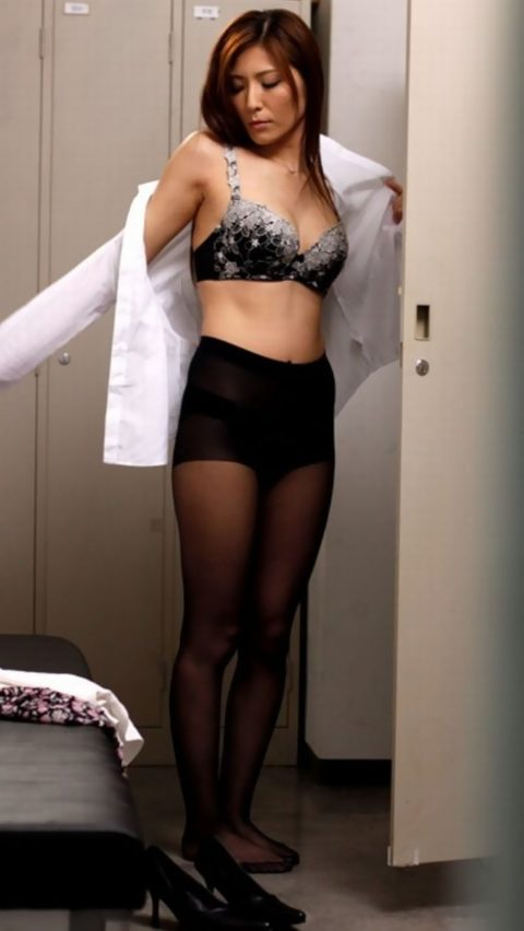 【OL】女子更衣室とかいう楽園を覗いてみた結果wwwwwwwwwww・7枚目