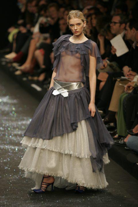【乳首大量】ファッションショーでも十分抜けることがよく分かる画像集(30枚)・8枚目