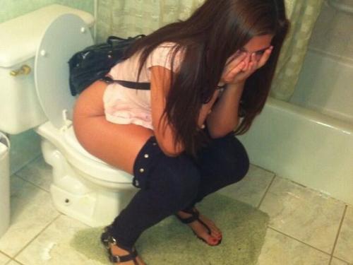 (写真26枚)女がトイレ中に扉開けてやった結果wwwwwwwwwwwwwwwwwwwwwwwwww
