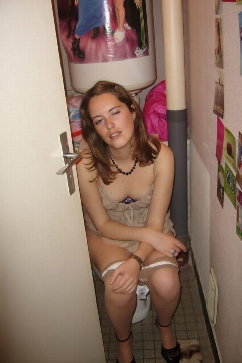 【画像26枚】女がトイレ中に扉開けてやった結果wwwwwwwwwwwww・14枚目