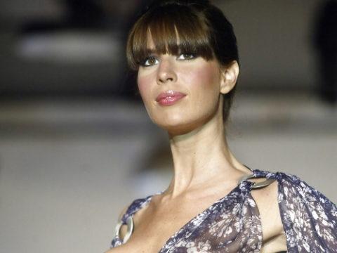 【ファッションショー】スーパーモデルのお姉さん、乳首ビンビンやないか・・・(画像あり)・1枚目