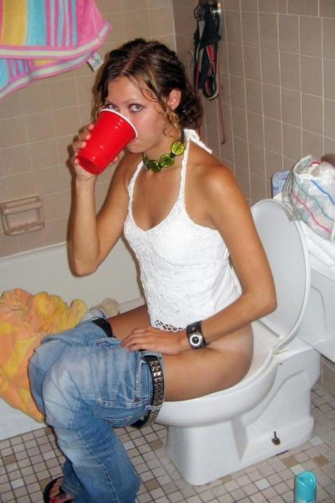 【画像26枚】女がトイレ中に扉開けてやった結果wwwwwwwwwwwww・20枚目