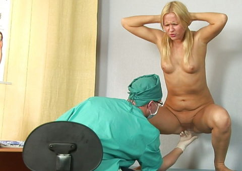 病院でアナル検診されてる羞恥エロ画像(30枚)・28枚目