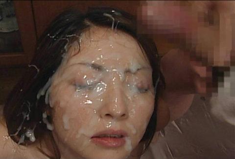 【画像あり】女の鼻の穴にザーメン注入した結果wwwwwwwwwwwww・4枚目