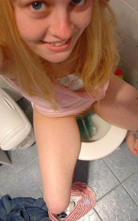 【画像26枚】女がトイレ中に扉開けてやった結果wwwwwwwwwwwww・5枚目