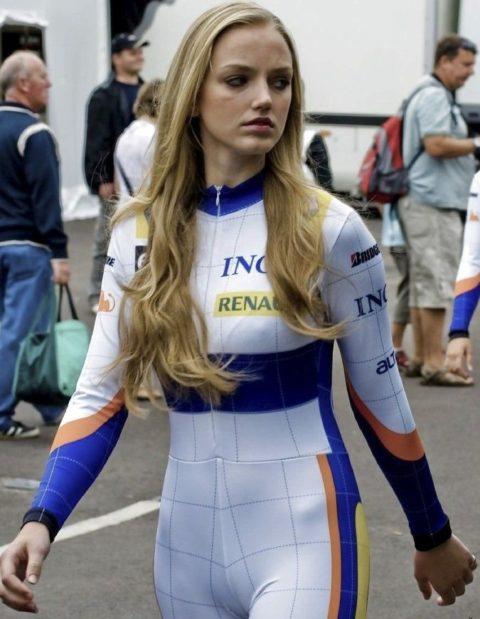 RQのマンコの縦筋が気になってレースに集中できない・・・(画像25枚)・6枚目