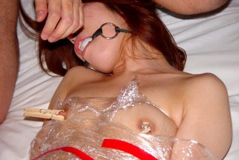 「乳首調教中」のまんさん、何とも言えない顔しとるwwwwww(画像)・105枚目