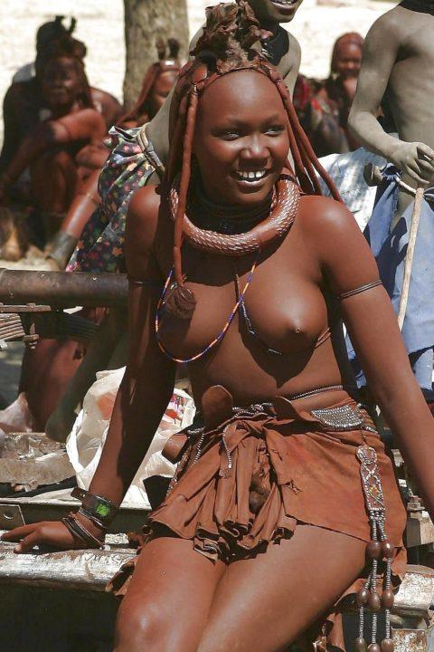世界の民族衣装のエロ画像集→アフリカ系ポイント高すぎやろwwwwwwwww(27枚)・13枚目
