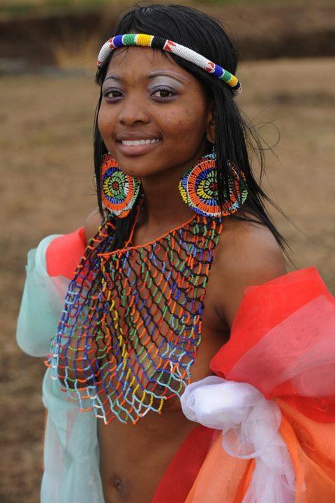 世界の民族衣装のエロ画像集→アフリカ系ポイント高すぎやろwwwwwwwww(27枚)・19枚目