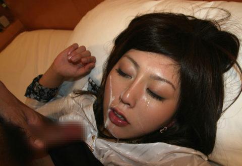 【顔射】こんな風に美女の顔にブッカケられるような男になりたい・・・(画像30枚)・28枚目